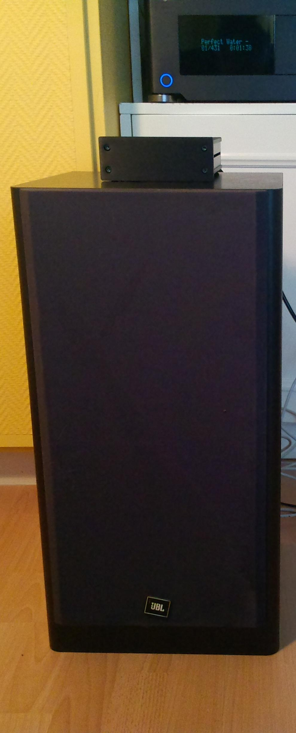 Class D Amp Photo Gallery-anaview_playing-jpg