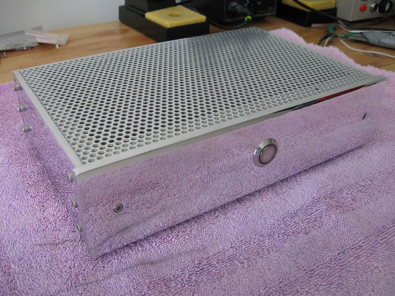 Custom built case for Raspberry Pi music streamer-case_with_cover-jpg