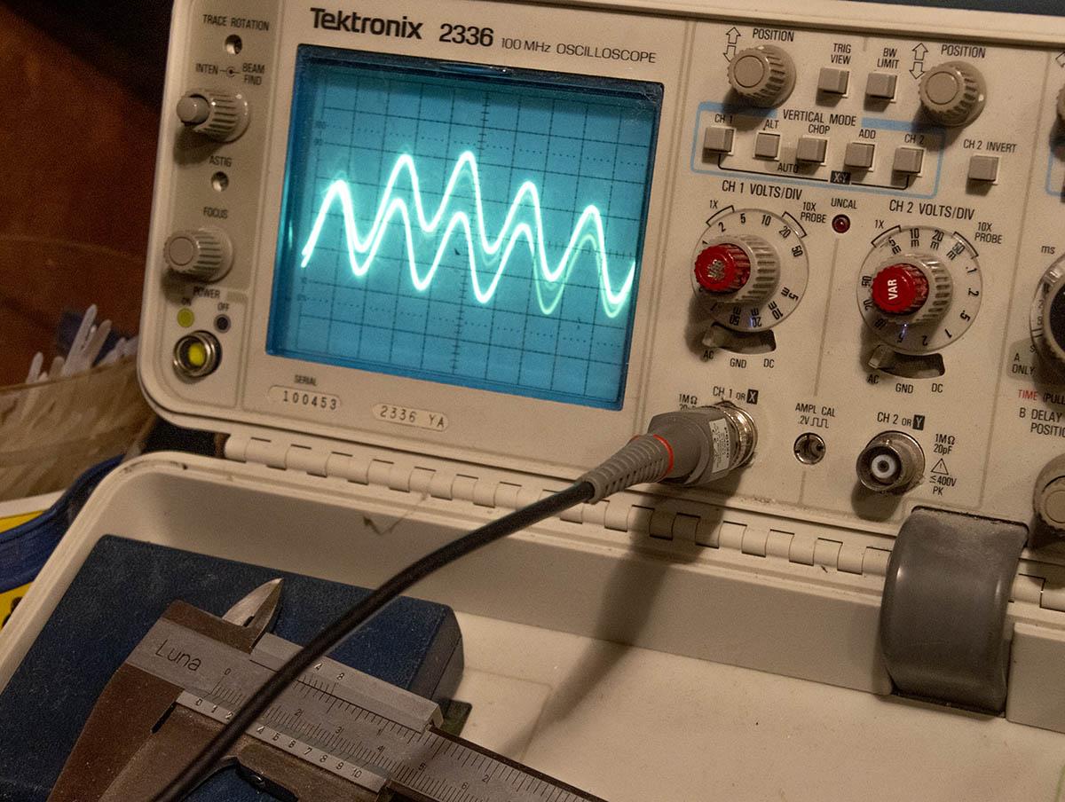 Dual sinewaves?-dual-sine-waves-jpg